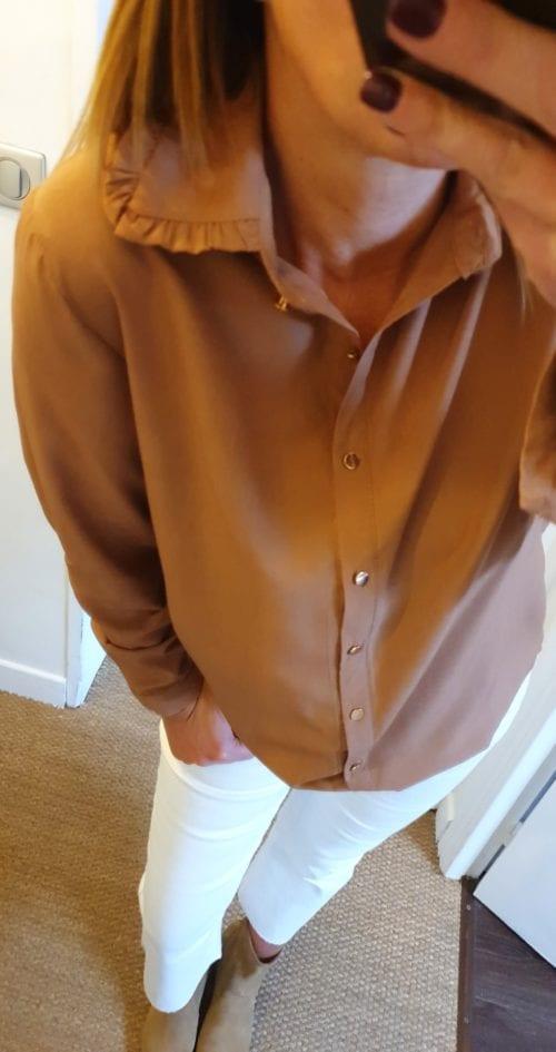 Chemise marron boutons dorés