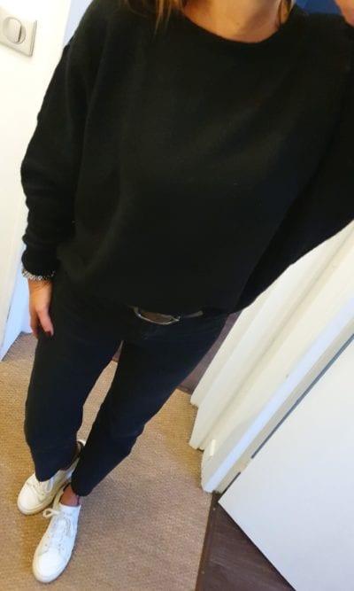 Pull noir dentelle dos