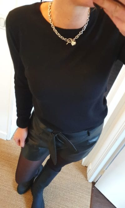 Pull uni noir
